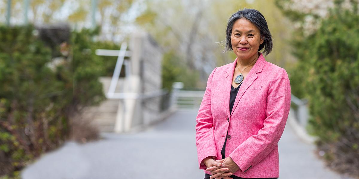 Talia Chung  Bibliothécaire en chef et vice-provost (gestion des savoirs)